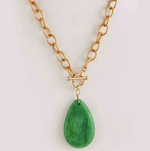 Jewelry - Envy me Green/Gold Necklace
